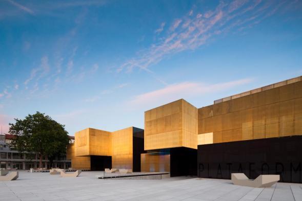 Umělěcké a krativní centrum