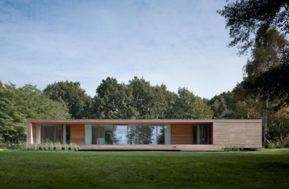 Dům nad jezerem