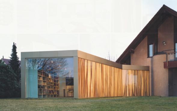 Přístavba knihovny k rodinnému domu