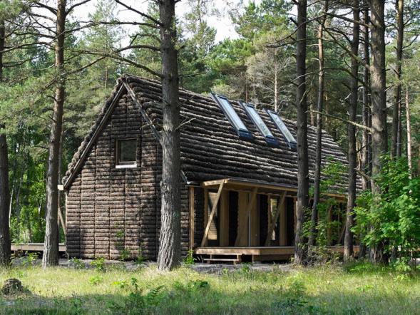 Dům s fasádou z chaluh