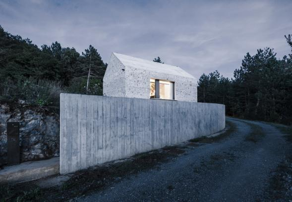 Kamenná chata ve Slovinském Krasu