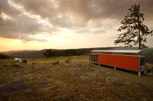 2 kontejnery = rodinný dům