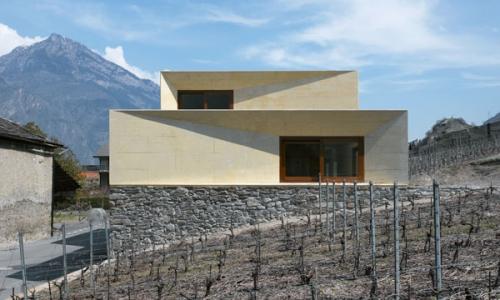 Geometrická nástavba domu
