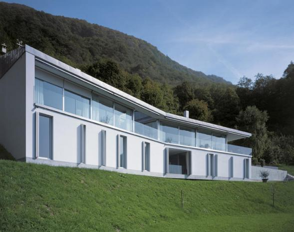 Casa Koch ve strmém svahu