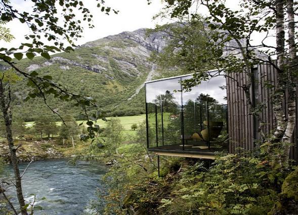 Hotel uprostřed přírody v Norsku