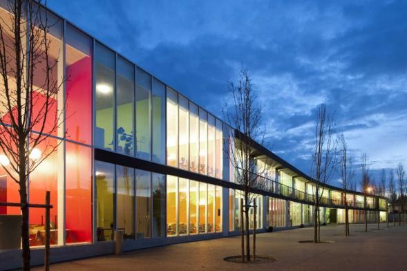 Přístavba a přestavba německé školy v Lisabonu
