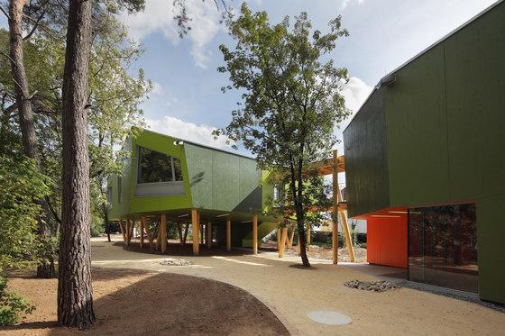 Škola jako dům ve stromě